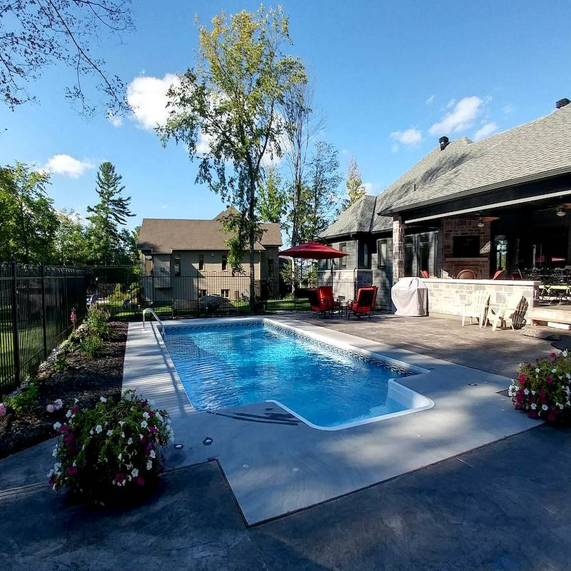 Barracuda piscines spas vente et installation de for Construction piscine orleans